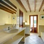 rent-3087s_8_pol2049_6_bathroom-main-house